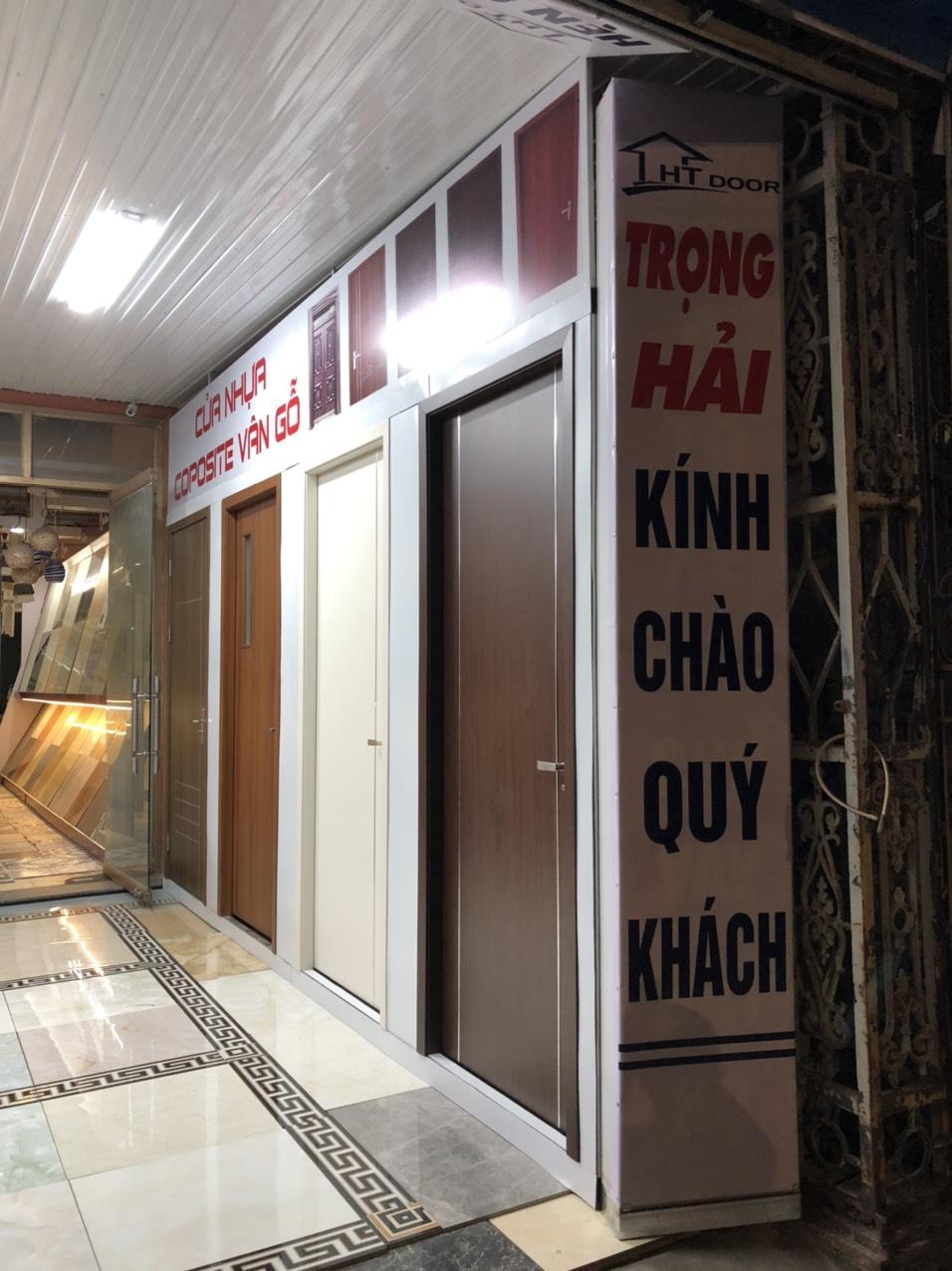 Hình ảnh showroom cửa gỗ nhựa composite Hoành Bồ - Quảng Ninh